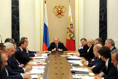 Совещание с членами Правительства -/- Вручение верительных грамот послами иностранных государств