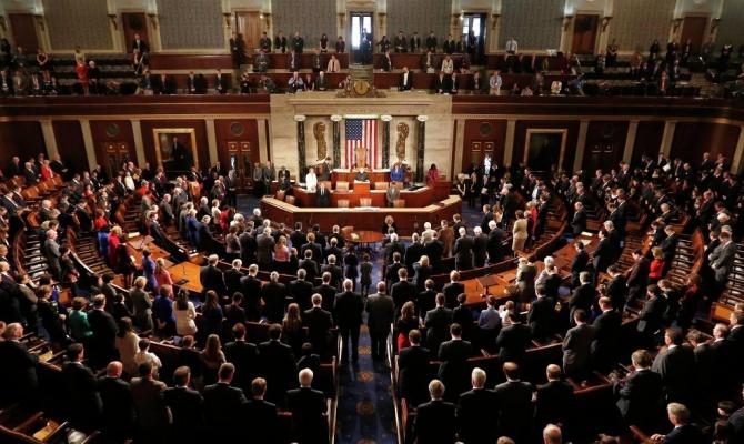 Конгрессмены США требуют приостановить сотрудничество с Украиной из-за коррупции