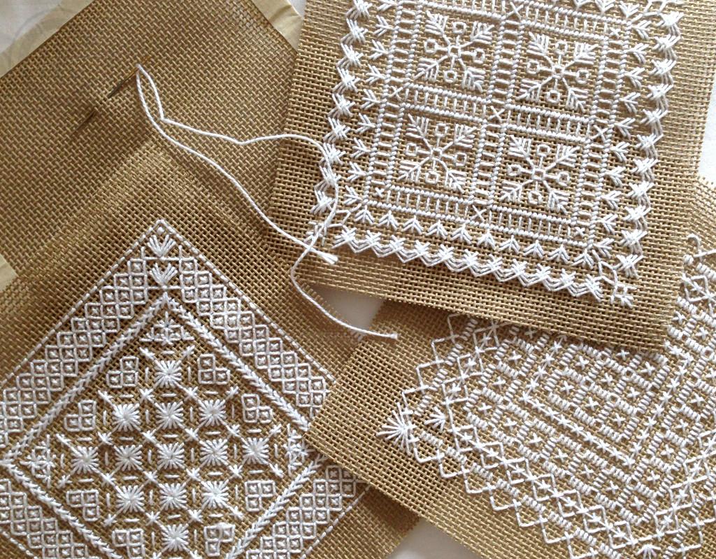 Маленькие схемы вышивки монохром — 4 мотива