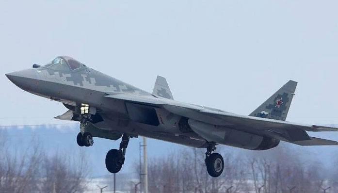 """Экс-главком ВКС РФ: Су-57 - поколение """"пять плюс"""""""