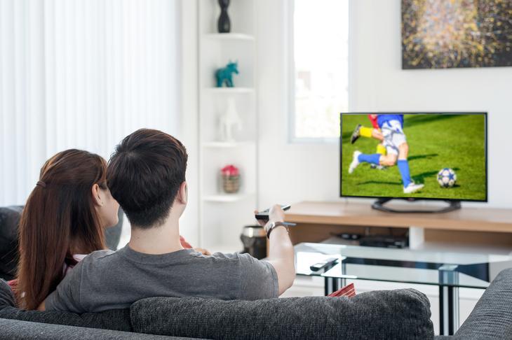 «Любовь к орущему телевизору»