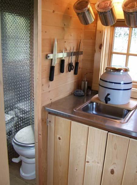Как сделать благоустроенный туалет в частном доме своими руками фото 18