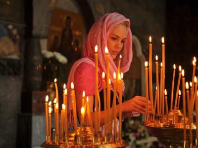 Как самостоятельно снять молитвами проклятие матери...