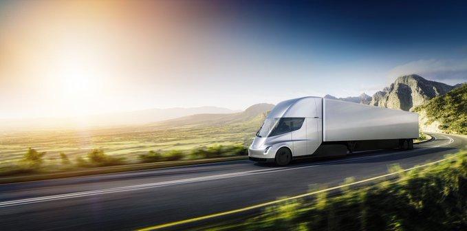 Tesla представила электрический грузовик и спорткар