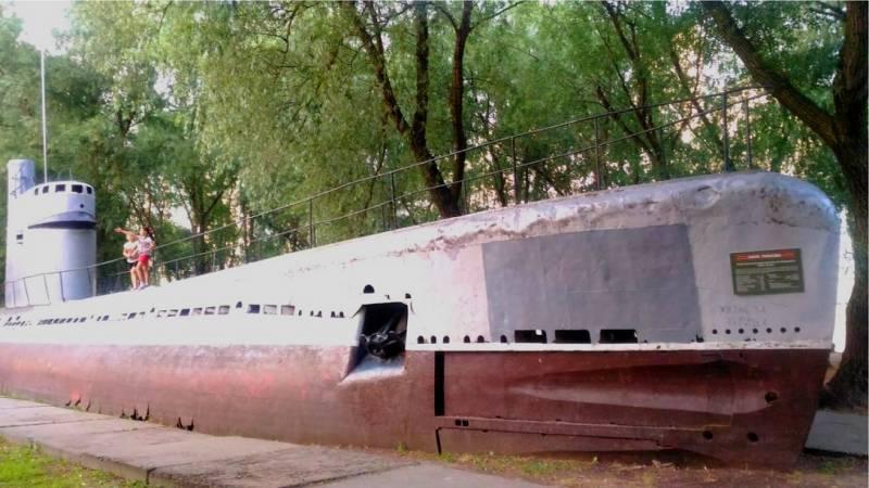 М-261. Подводная лодка в кубанских полях