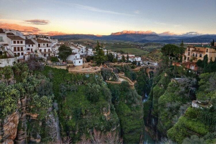 Ронда – удивительный город на скалах в Испании