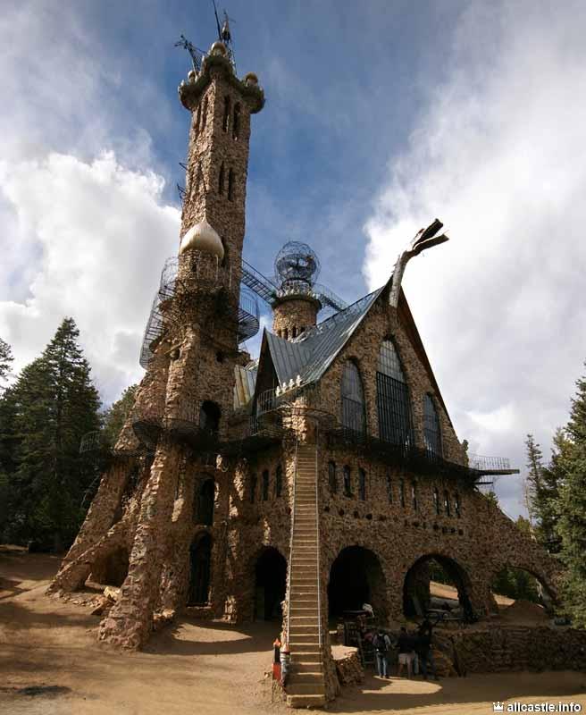 Замок Бишопа - творение, созданное одним человеком!