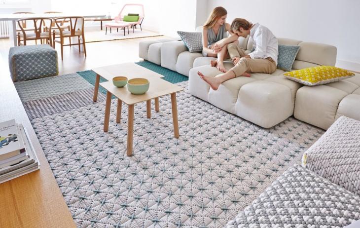 Шикарные идеи ковров и пуфов от Charlotte Lancelot