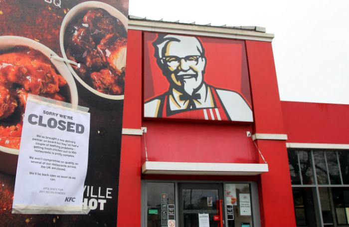 Британский гастрономический коллапс: рестораны KFC остались без курицы