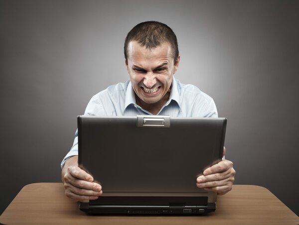 Злоба и ненависть в сети. Что с ней делать?