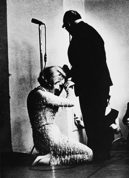Марлен Дитрих преклонила колени перед Константином Паустовским