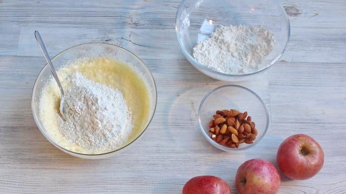 Немецкий яблочный пирог типа шарлотка Видео рецепт, Шарлотка, Пирог, Выпечка, Десерт, Рецепт, Еда, Яблоки, Видео, Длиннопост