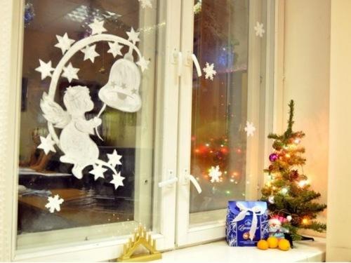 На заметку — шаблоны с hождественскими ангелочками.  Распечатываем, вырезаем и украшаем