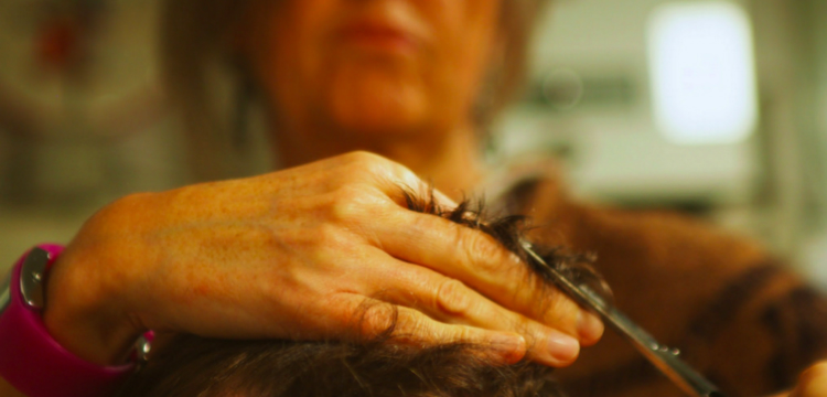 До белого каления. 10 способов превратить своего парикмахера в Суинни Тодда