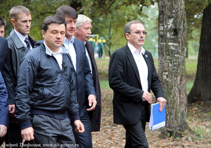 В городе Преподобного Сергия снова лихорадит власть