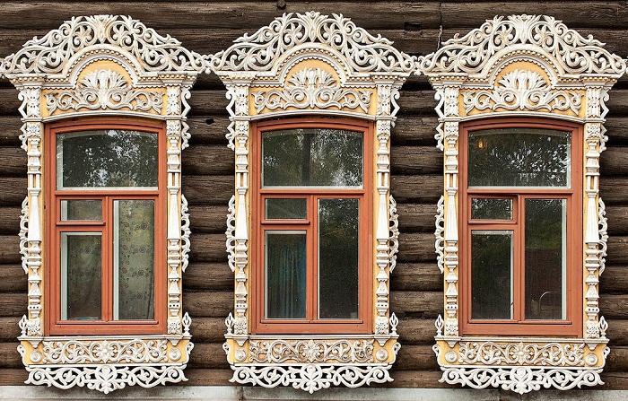 Символизм в русском зодчестве, или Как по оконным наличникам узнать, от чего защищался народ