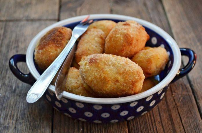 Картофельные крокеты в духовке: быстрый и вкусный способ использовать все, что есть в холодильнике