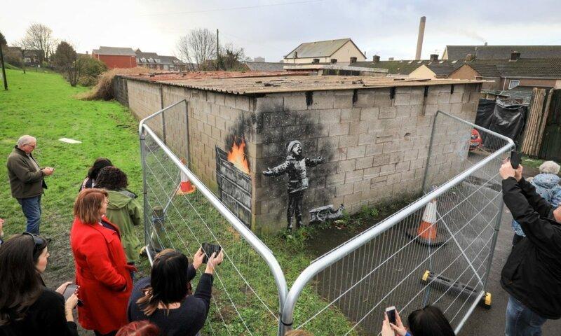 Граффити Бэнкси, нарисованное на гараже, продали за 130 тыс. долларов