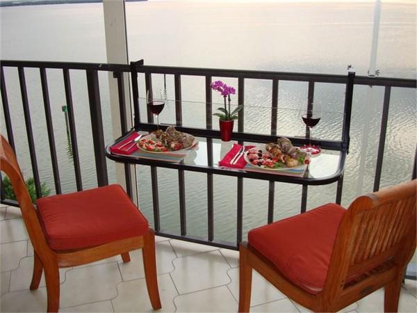 Откидной столик из стекла на балкон