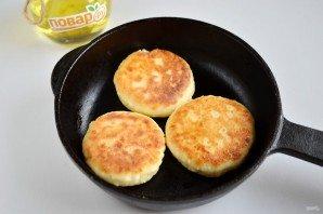 Сырники: классический рецепт - фото шаг 6