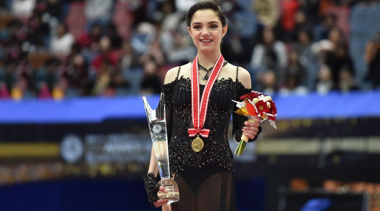 Вторая победа Медведевой с падением и первый триумф Воронова: российские фигуристы завоевали золото на японском Гран-при