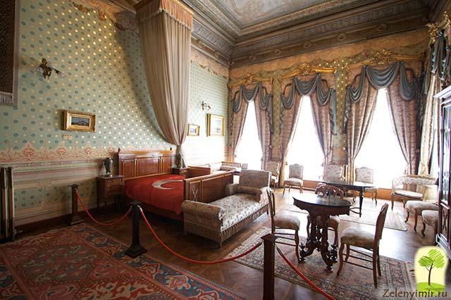 "Дворец турецского султана ""Долмабахче"" в Стамбуле, Турция - 15"