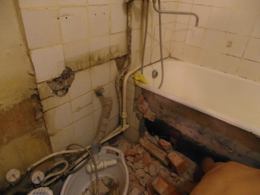 Ремонт под ванной своими руками