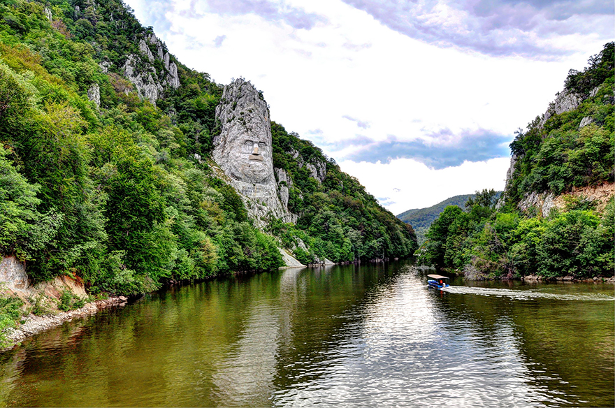 amazing-places-romania-15__880