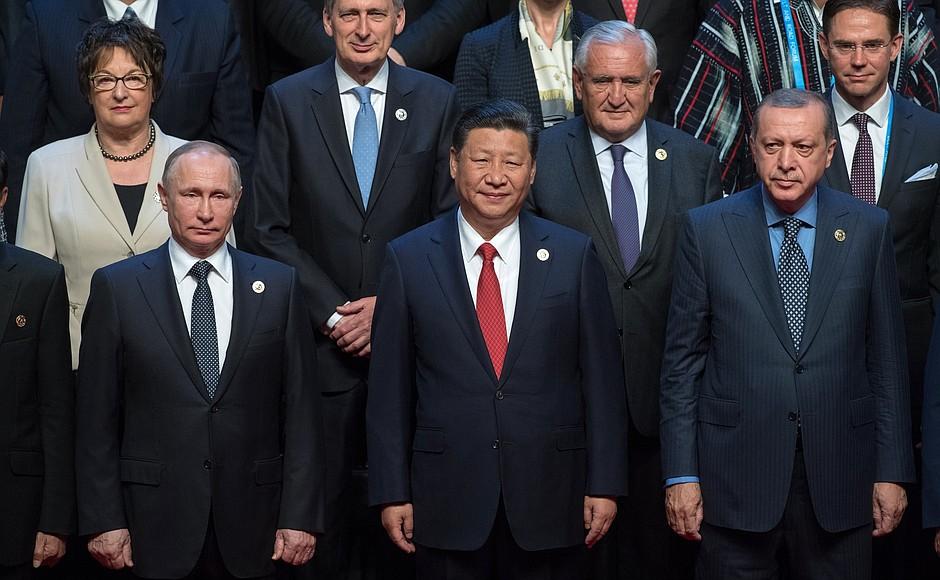 Путин выступил за создание евразийского партнерства и отказ от воинственной риторики