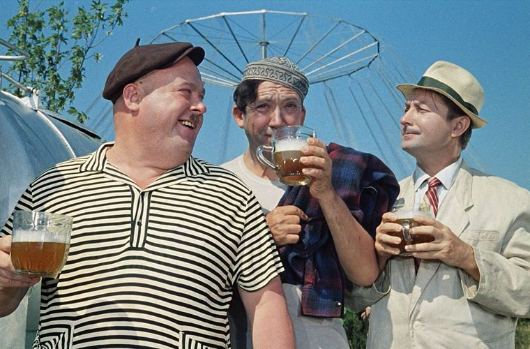 Привычка «соображать на троих» вышла в мир СССР, граненый стакан, губастый, история, посуда, стакан, стекло, факты