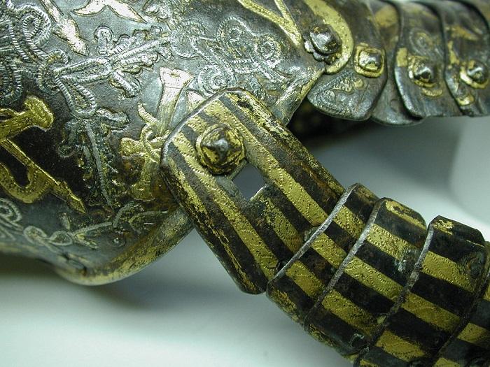 Великолепный образец древнего дамасского искусства: Как создавались парадные перчатки XVII века