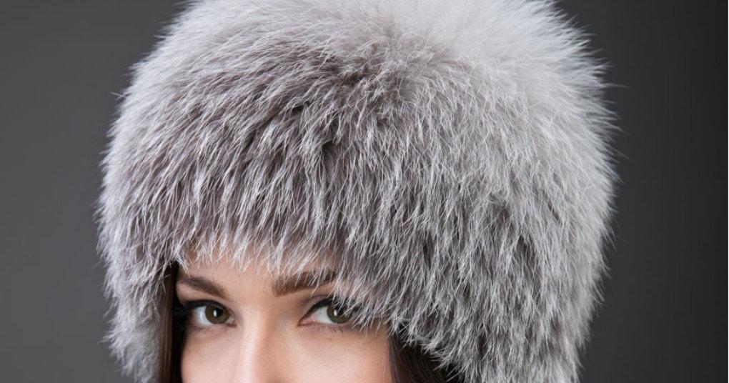 Красивая меховая шапка из старого воротника. И даже швейная машинка не нужна