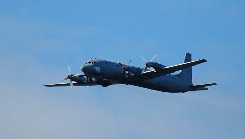 Японские ВВС подняли истреби…