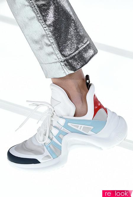 обувь из платика