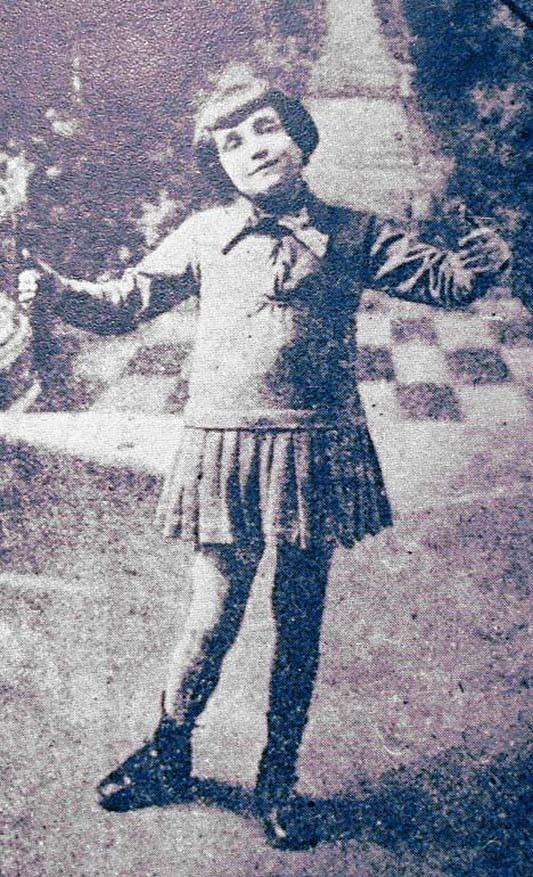 «Ее жизнь так печальна, что рассказ о ней кажется неправдоподобным»: великая трагедия Эдит Пиаф Эдит Пиаф, жизнь, история, певицы