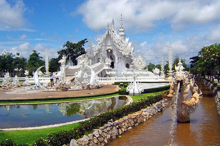 Тихий, зеленый и впечатляющий город с живописной природой и неповторимой культурой Таиланда.