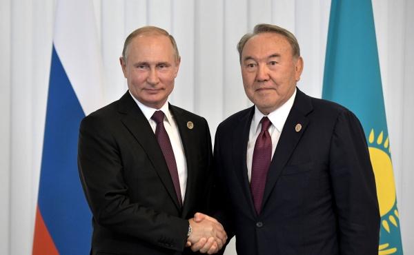 Путин поздравил Назарбаева послучаю Дня независимости Казахстана