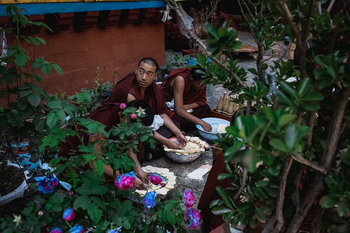 shigadze16 В поисках волшебства: Шигадзе, резиденция Панчен ламы и китайский рынок