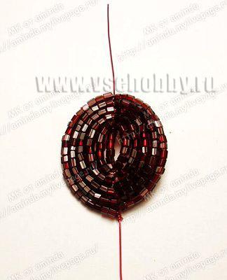 плетем своими руками круглые лепестки бисерной розы из 5 пар дуг в каждом