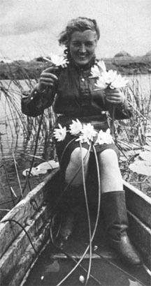 Зенитчица Елена Иванова.
