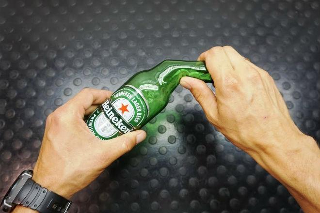 Сгибаем стеклянную бутылку