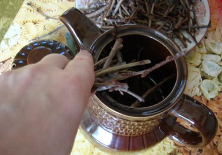 Весенний чай из веточек
