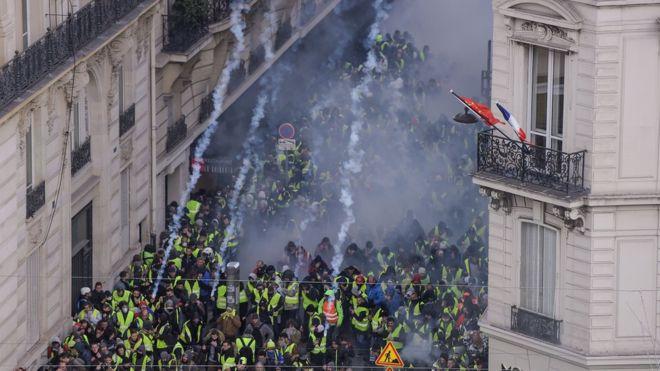 Протесты во Франции в фотографиях