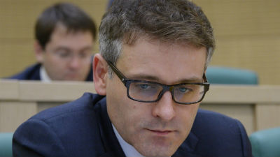 Сенатору Цыбко предъявили об…