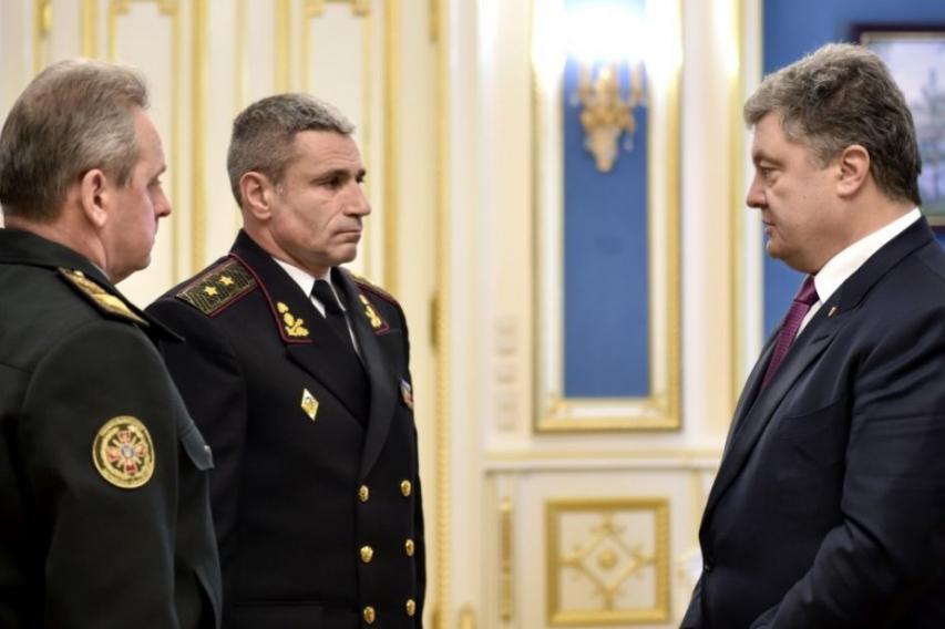 Украинские военные могли отбить Крым при помощи двух танков, как в свое время Ельцин — командующий ВМС