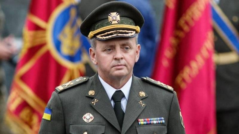 """Муженко """"насчитал"""" на Донбассе свыше 30 тыс. российских военных и 700 танков"""