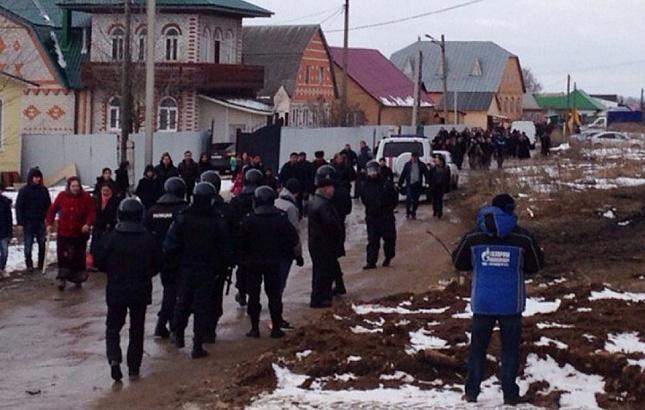 Как в Тульской области ОМОН давил цыганский бунт