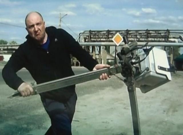 Водители уничтожают дорожные камеры и вот почему
