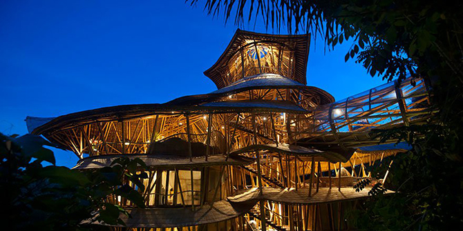 Невероятные бамбуковые дома на Бали