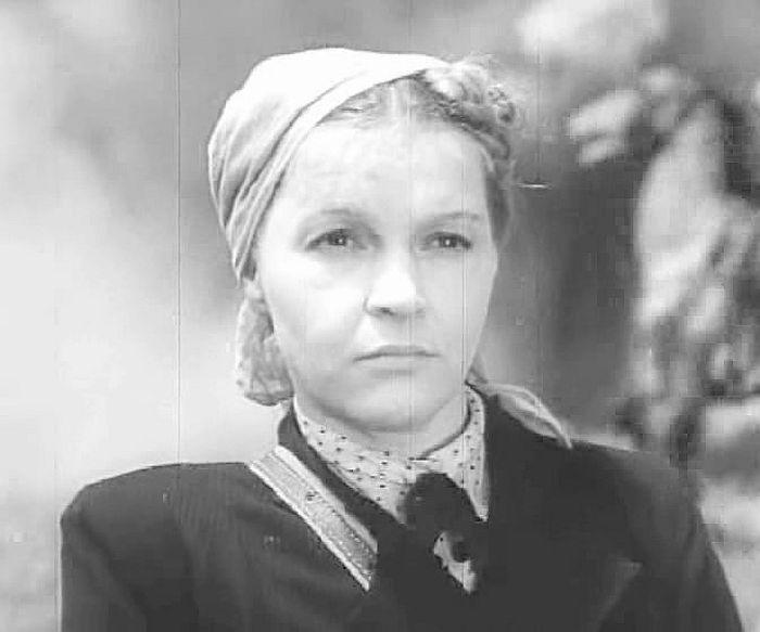 Вера Марецкая, кадр из фильма «Котовский». / Фото: www.kino-teatr.ru